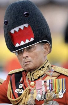 thai_king_wearing_hat