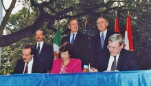 Leaders signing NAFTA