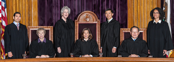 2105-supremecourtgroupphoto